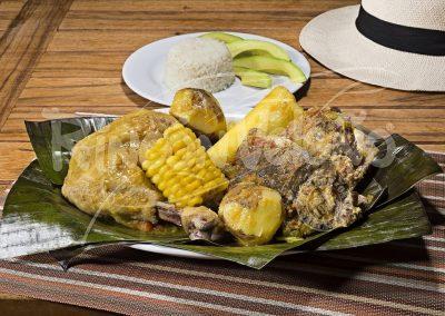 """<a href=""""https://www.comidasantandereana.com/category/menu/patodos-los-gustos/""""><b>Pa Todos los Gustos</b></a>"""